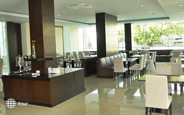 Demeter Residences Suites Bangkok 7