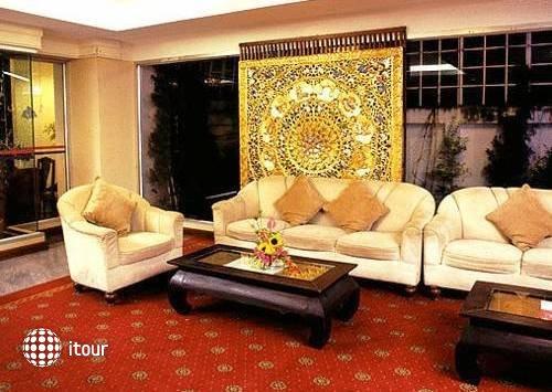 Ayothaya Riverside Hotel 4