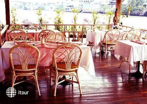 Ayothaya Riverside Hotel 3
