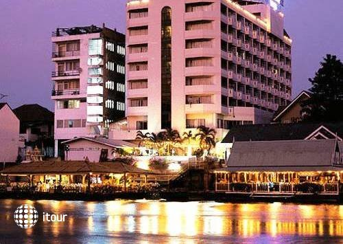Ayothaya Riverside Hotel 6