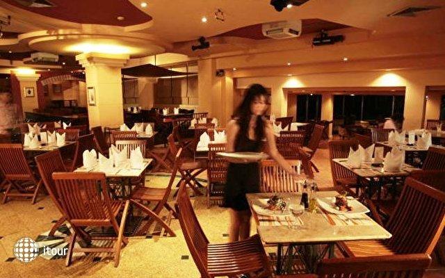 Krungsri River Hotel 5