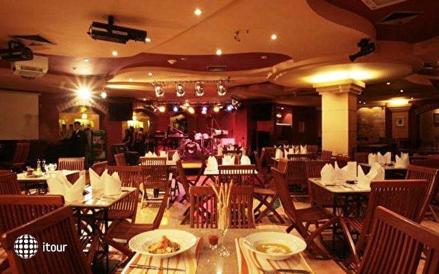 Krungsri River Hotel 8