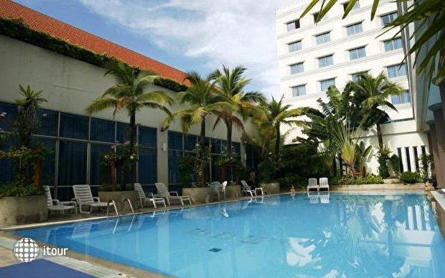 Krungsri River Hotel 2