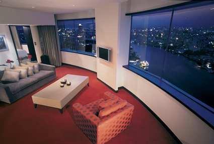 Millennium Hilton Bangkok Hotel 8
