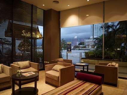 Millennium Hilton Bangkok Hotel 4