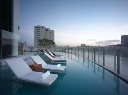 Millennium Hilton Bangkok Hotel 7