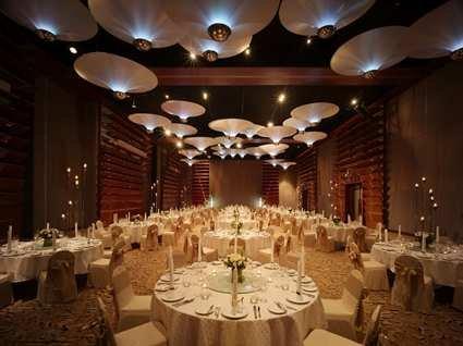 Millennium Hilton Bangkok Hotel 3