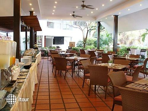 Royal Orchid Resort 8