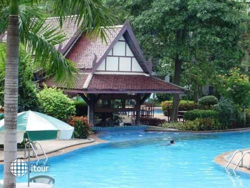 Green Park Resort 9