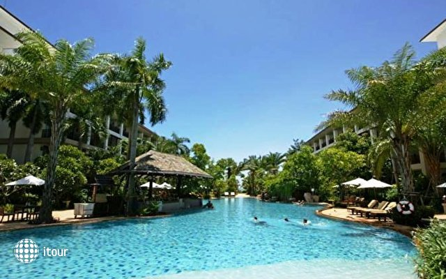 The Ravindra Resort & Spa 4