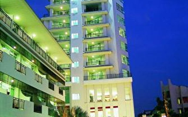 Discovery Beach Hotel 1