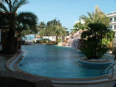 Dragon Beach Resort 8