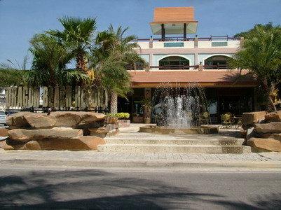 Dragon Beach Resort 7