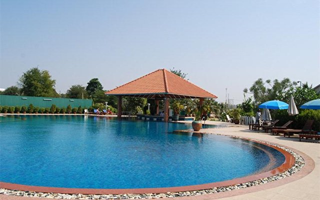 Leelawadee Lagoon Resort Hotel 9