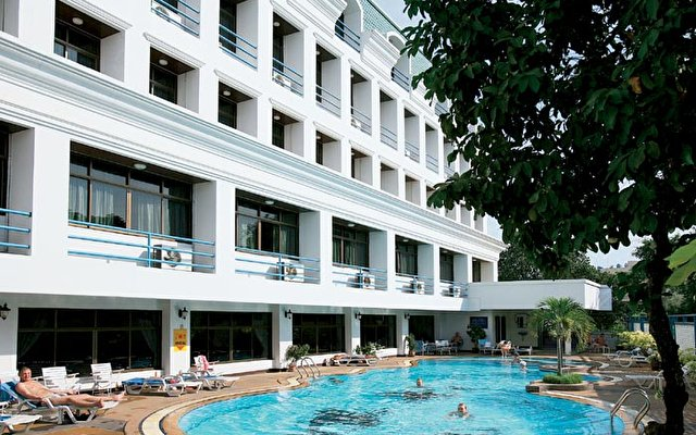 Camelot Hotel 2
