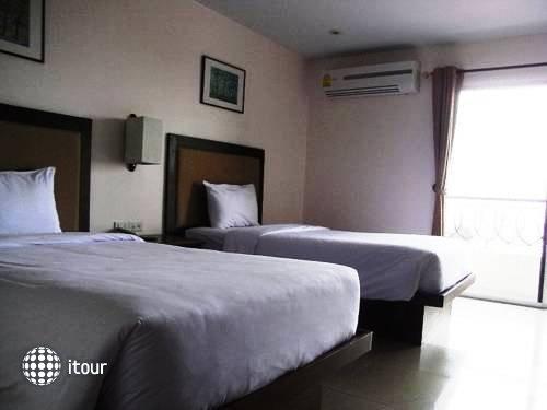 Naris Art Hotel 11