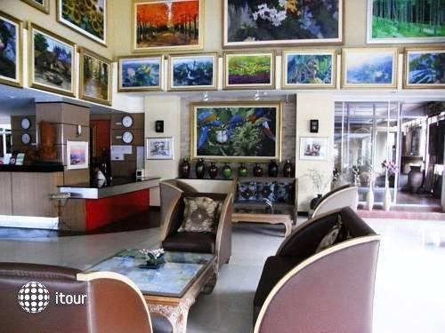 Naris Art Hotel 13