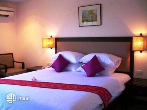 Naris Art Hotel 14