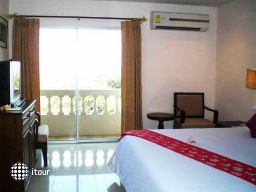 Naris Art Hotel 10