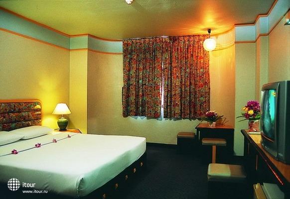Flipper Lodge 3