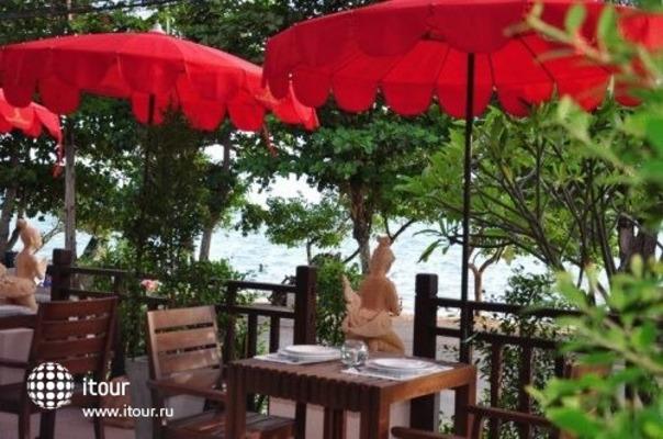Royal Thai Pavilion 6