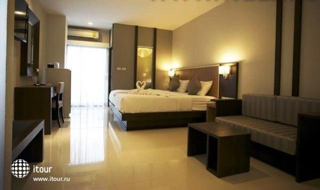 April Suites 9