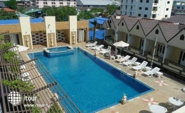 Golden Sea Pattaya 9