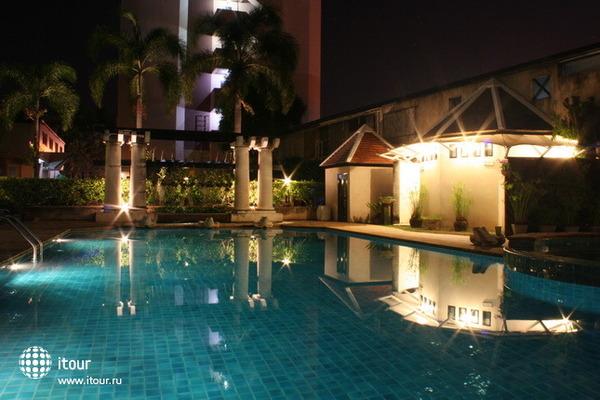 Lantana Pattaya Hotel & Resort 2