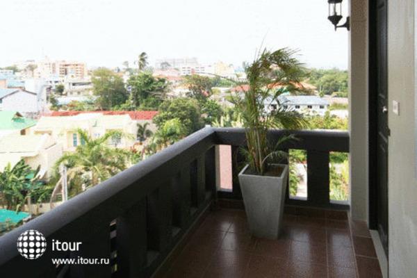 Ploen Pattaya Residence 8