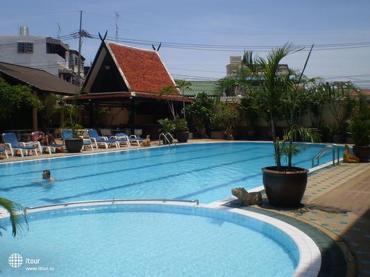 Suppamitr Villa 8