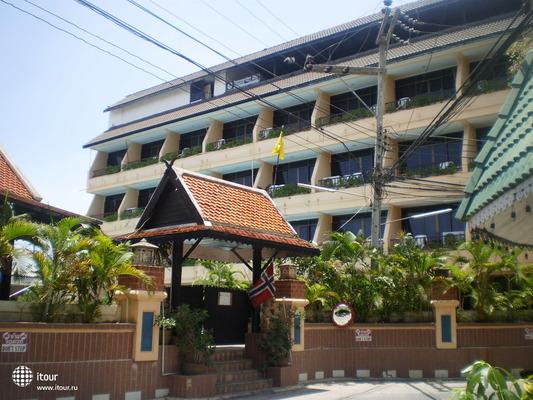 Suppamitr Villa 10