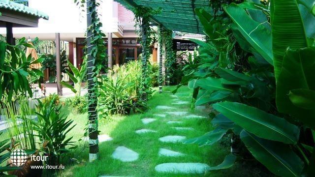 Marilyn Pool Villa Resort & Spa 9