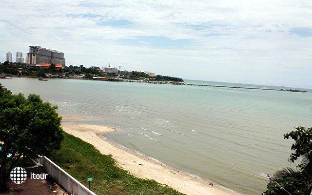 Naklua Beach Resort 7