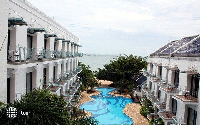 Naklua Beach Resort 1