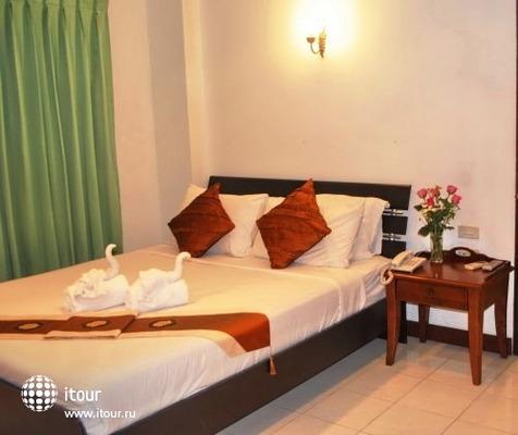 Inn House Hotel 5