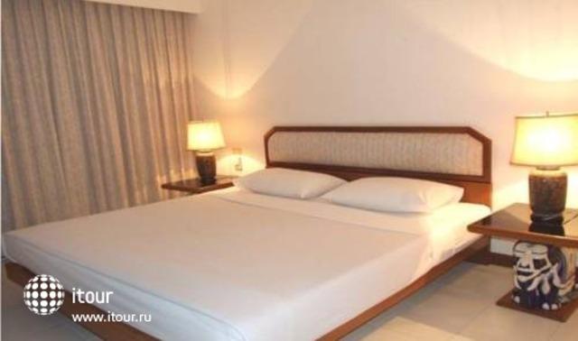 Monaco Residence 3