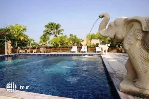 Inrawadee Resort 2