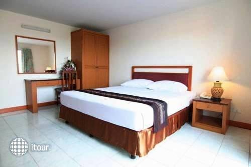 Eastiny Bella Vista Hotel & Residence 4