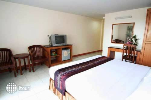 Eastiny Bella Vista Hotel & Residence 5