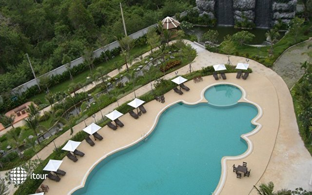 T.w. Wong Amat Beach Resort Condominium 5