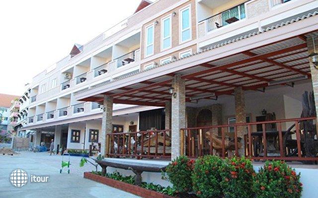 Harmony Inn 9