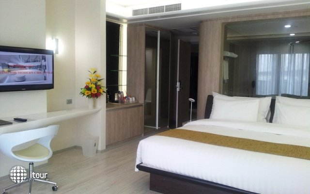 Pattaya Discovery Beach Hotel 5