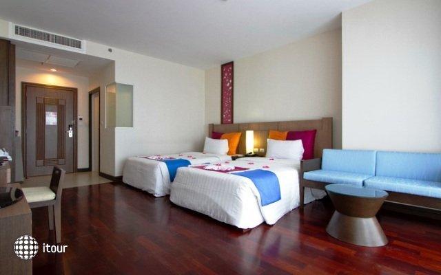 Pattaya Discovery Beach Hotel 7