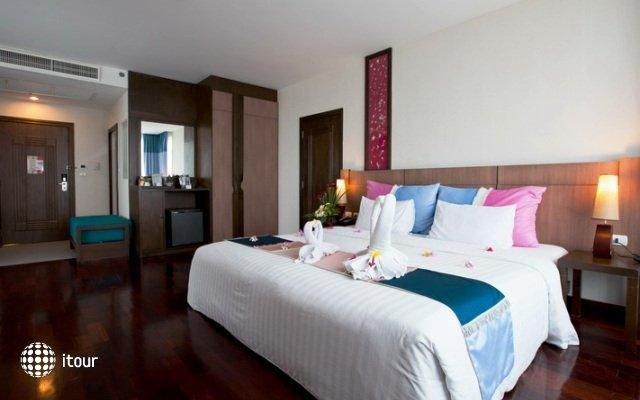 Pattaya Discovery Beach Hotel 9
