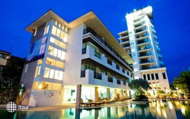 Pattaya Discovery Beach Hotel 1