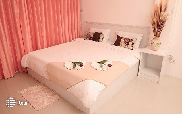 Malee Jomtien Room Service Lodge 7