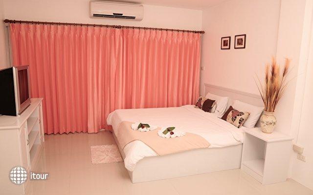 Malee Jomtien Room Service Lodge 8