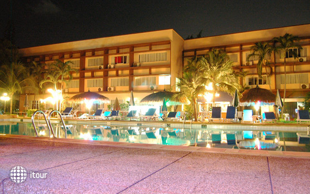 Basaya Beach Hotel & Resort 9