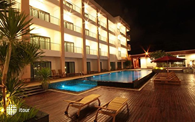 Paragon Suites Resort  1