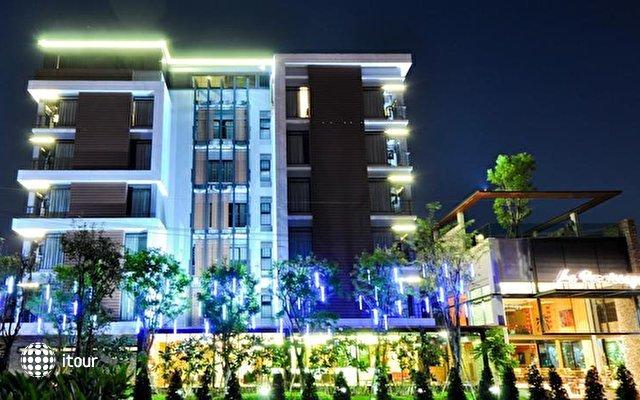 Le Vernissage Hotel  1